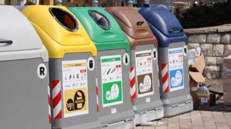 340 nuevos contenedores de recogida selectiva de plásticos y papel y cartón