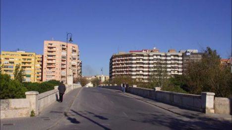 Valencia peatonaliza el puente histórico de San José