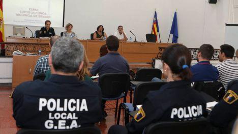 Castellón imparte un nuevo curso sobre violencia de género para policías locales