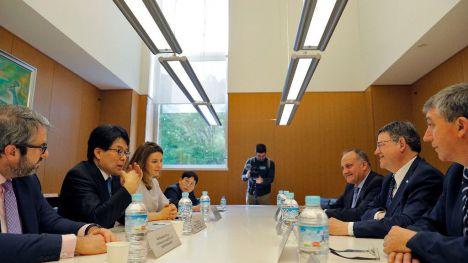 La Generalitat promueve la colaboración con institutos de investigación japoneses