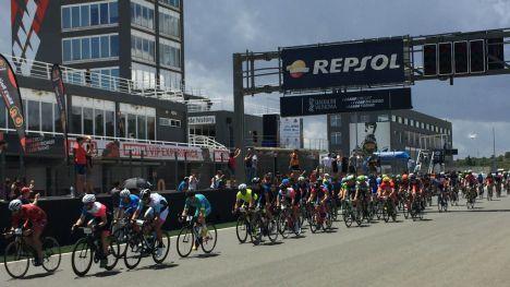 Las bicicletas toman el relevo en el Circuit Ricardo Tormo con las 24 horas Cyclo Circuit