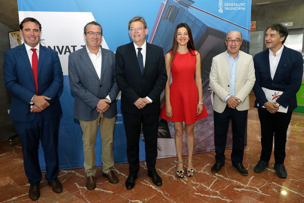 Ximo Puig aboga por una 'gran alianza' entre Generalitat, ayuntamientos y empresas para afrontar los retos del turismo y luchar contra el intrusismo