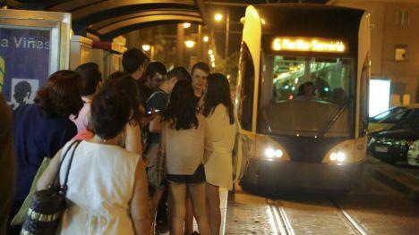Metrovalencia amplía el servicio la noche del sábado para facilitar la participación en la Nit a la Mar