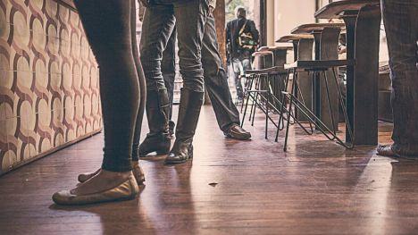 Elogio y defensa del bar del pueblo