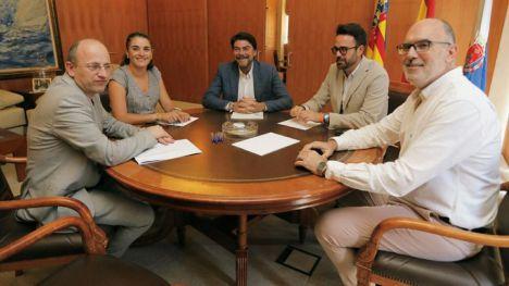 Ayuntamiento y Generalitat se unen contra los depósitos de combustibles en el puerto