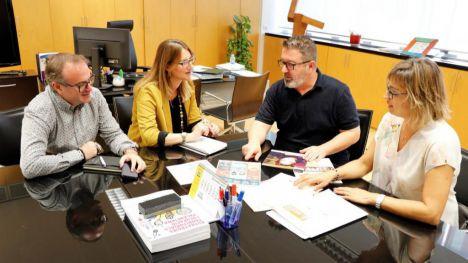 El Ayuntamiento de Alicante y la Fundación Secretariado Gitano impulsan un proyecto de 'Aula Digital'