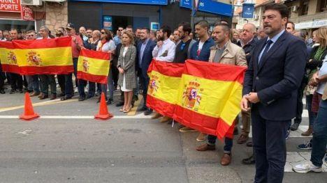 Acto en apoyo a las Fuerzas y Cuerpos de Seguridad en Alicante por su labor en Cataluña