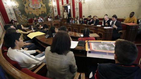 El pleno juvenil de Alicante centra sus reivindicaciones en la limpieza de la ciudad