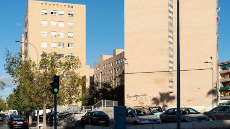 La Generalitat contrata un servicio para agilizar la legalización de las viviendas del parque público de Alicante ocupadas sin título