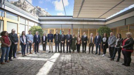 Barcala y Puig acuerdan impulsar una nueva línea del TRAM hasta San Gabriel