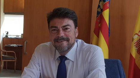 El alcalde de Alicante respalda en la FEMP que los ayuntamientos gestionen su superávit