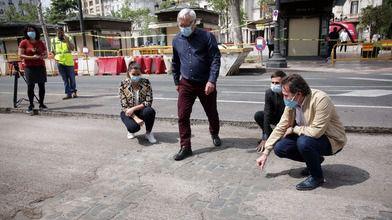 La plaza del Ayuntamiento de Valencia empieza su conversión en una gran zona para peatones