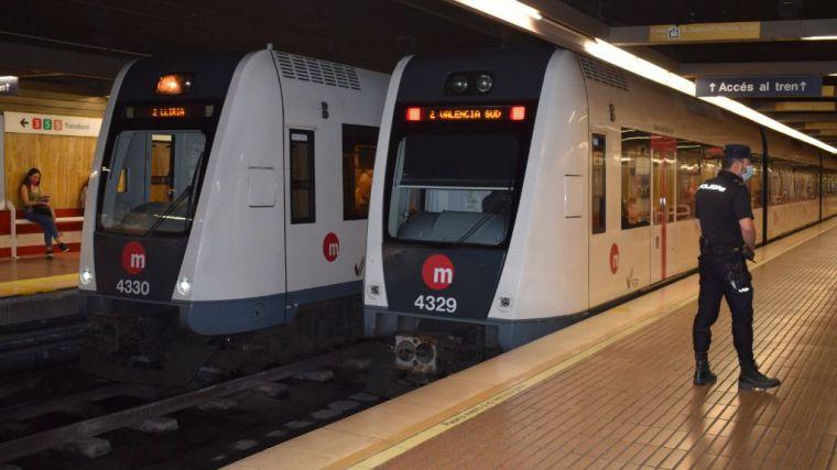 La Generalitat instalará desfibriladores en las principales estaciones de Metrovalencia y TRAM d'Alacant