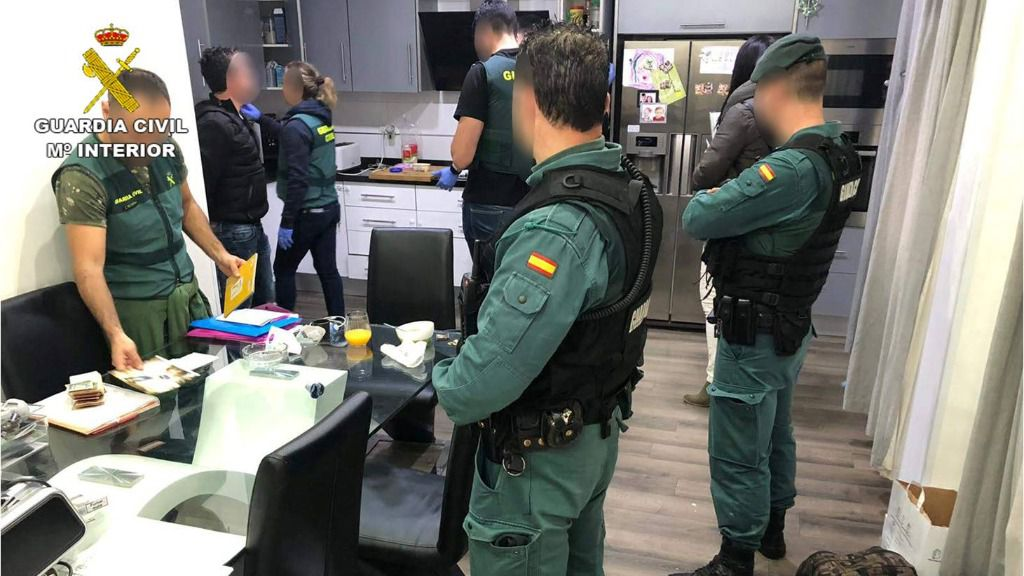La Guardia Civil destapa un 'chiringuito financiero' envuelto en una estafa piramidal millonaria