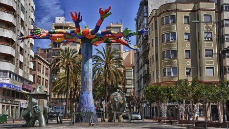 Vivienda reclama a los fondos buitre que acaben con los 'abusos' en alquileres de Castelló