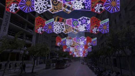Alicante se va a iluminar esta Navidad con 780 arcos y guirnaldas