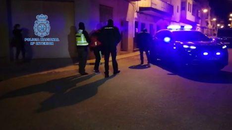 La Policía detiene el día de Navidad a una persona por amenazar a los viandantes con un machete