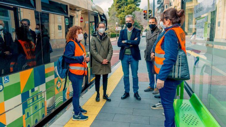 Auxiliares COVID-19 para reforzar las medidas de seguridad del TRAM de Castelló