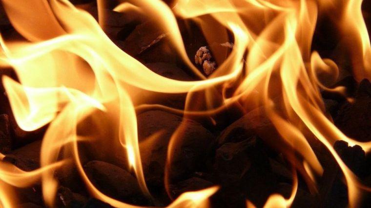 La Audiencia de Valencia condena a cinco años de prisión a un hombre que prendió fuego al piso de su hermana
