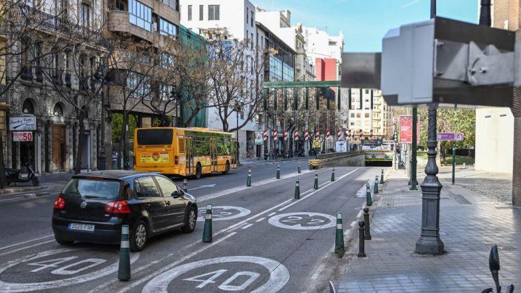 El tráfico disminuye hasta un 70% en el centro de València