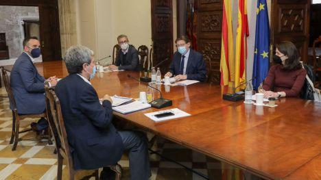 Puig destaca que los puertos de la Comunitat Valenciana son un 'potente motor económico'