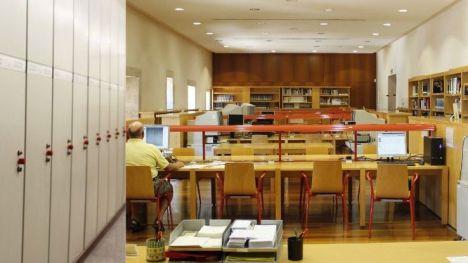 La Biblioteca Valenciana celebra el Día del Libro con visitas a los depósitos y fondos documentales