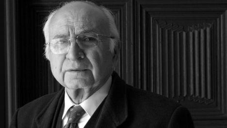 Tres días de luto oficial por la muerte del poeta Francisco Brines