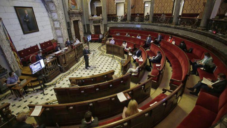 València se muestra contraria a los peajes y pide la gratuidad de la A-7
