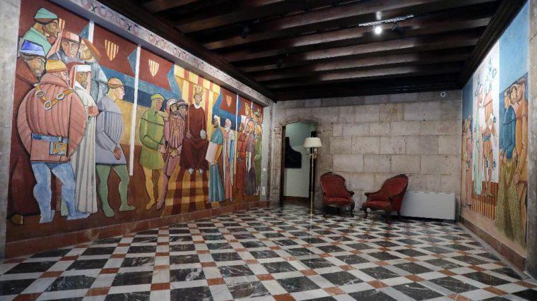 El Palau de la Generalitat recupera la imagen original de los murales cubistas de José Vento