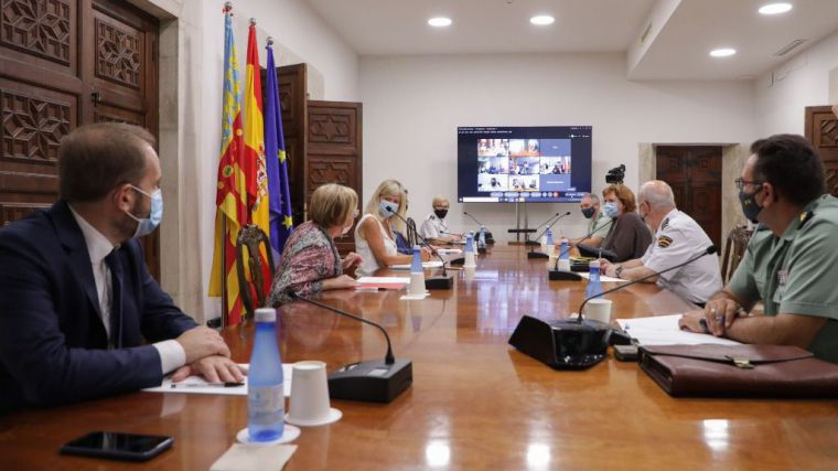 Fallas: La Generalitat incrementa el control de medidas COVID y recuerda que la vacuna no exime de cumplir las normas