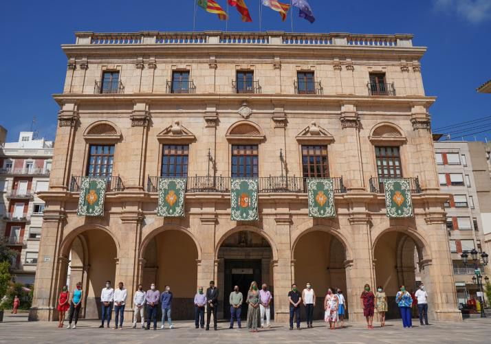 Castelló inicia el 770 Aniversario de la ciudad con volteo de campanas, gaiatas y mitología