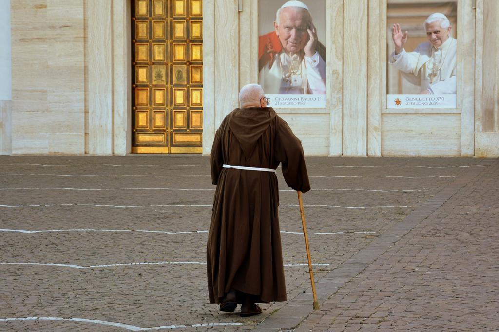 ¿Cuántas divisiones tiene el Papa, Berlín?