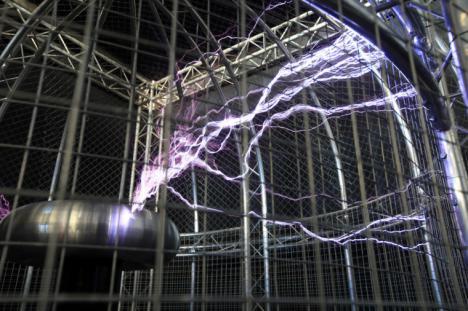 El Teatro de la Electricidad del Museu de les Ciències rinde homenaje a la electricidad y la electroestática