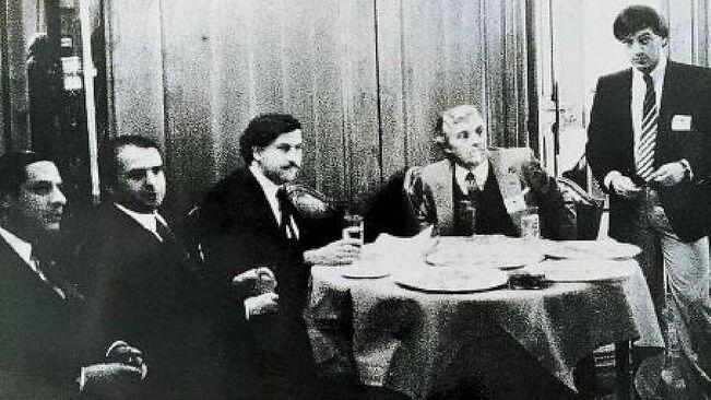 Pablo Escobar fue uno de los invitados del PSOE a la celebración de la noche electoral del 28 de octubre de 1982 en el Hotel Palace