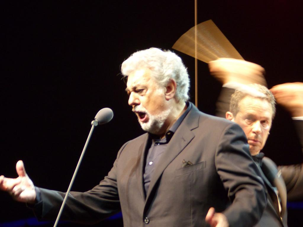 """Plácido Domingo y Jeffrey Epstein, uno vivo y el otro recientemente """"suicidado"""""""