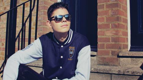 Rubén Villalba presenta su primer single, 'Alguien como yo'
