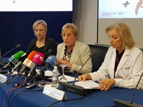 Barceló: 'Más inversión, más profesionales, más servicios y más actividad han marcado los meses de gestión pública del Hospital de la Ribera'